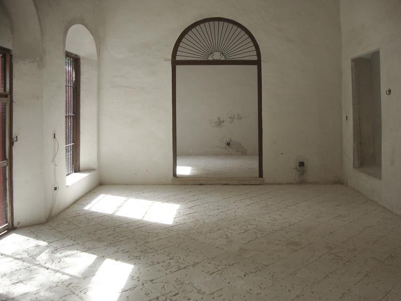 Arquitectura_Chable_Casa_imagen interior de una sala antes de restaurar