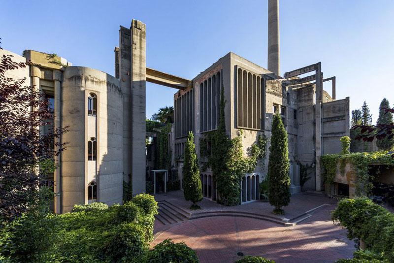 Arquitectura_la Fabrica_Bofill_La Catedral exterior