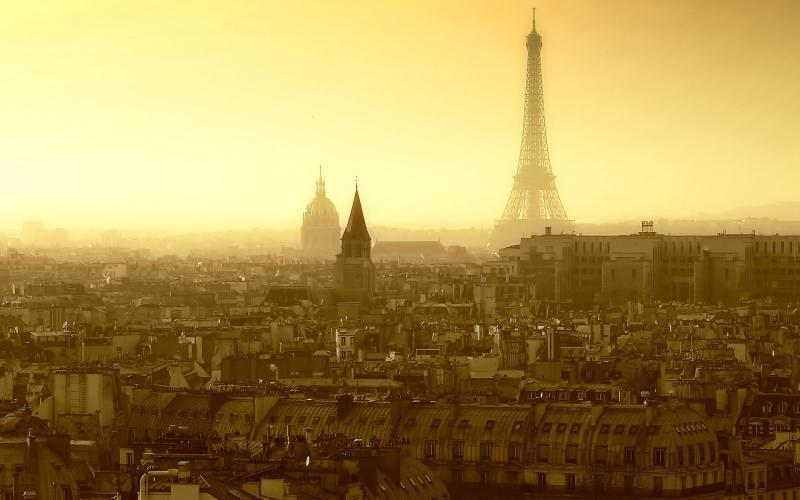 PARIS, POETA,