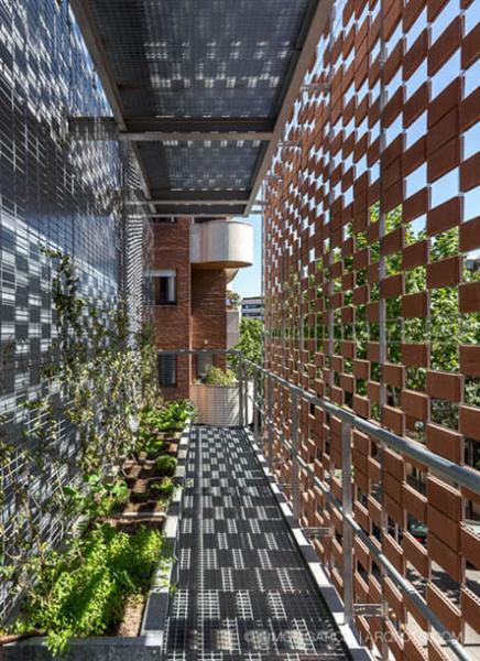 Textil cer mico nueva piel para una ampliaci n arquitectura for Arquitectura de interiores universidades