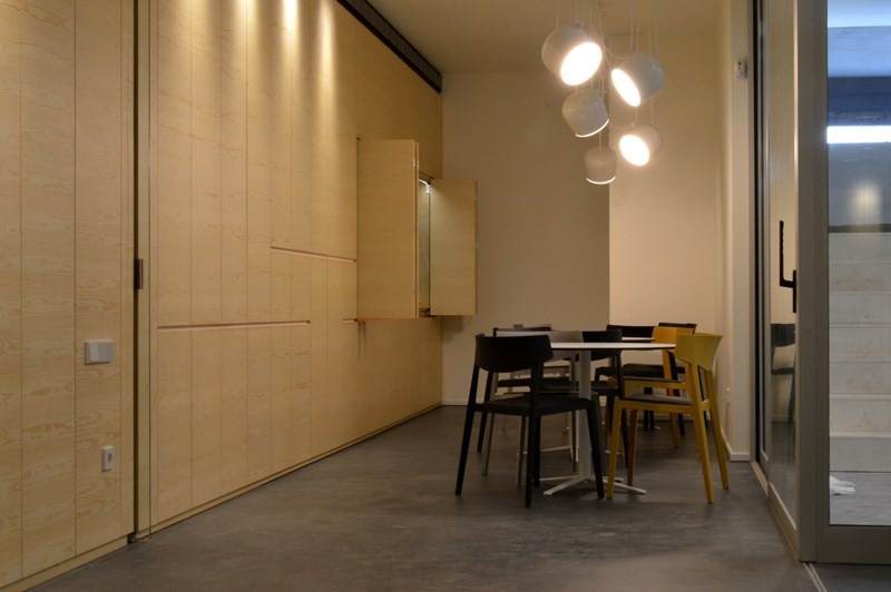 Officining: Oficinas Agromillora en Barcelona, arquitecto Curro Mestre.