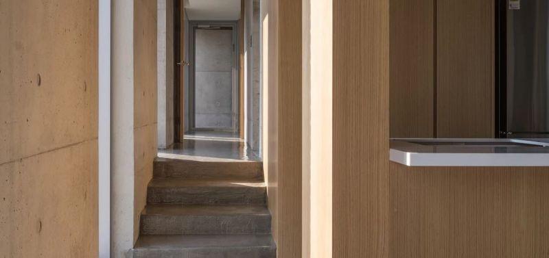 arquitectura-grandpas-cool-house-corredor dormitorio