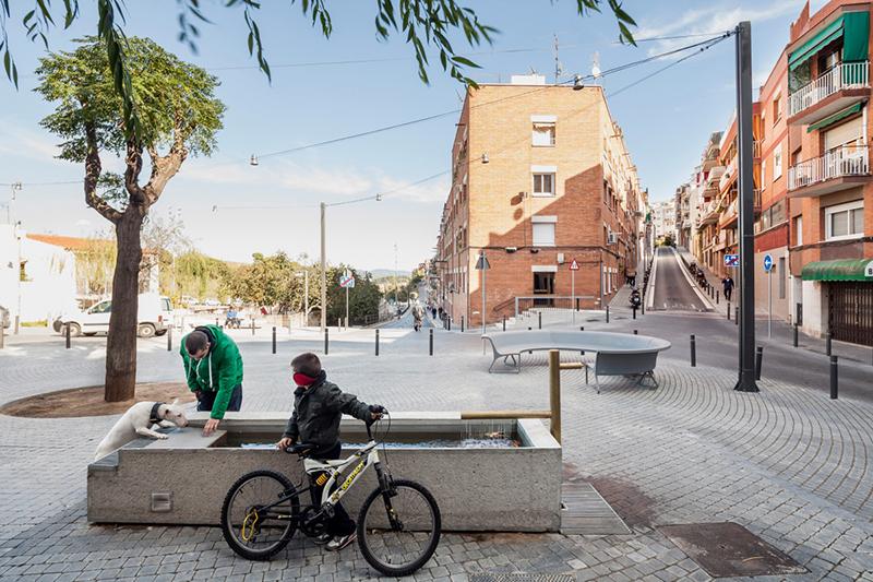 arquitectura-plaça isop-baas
