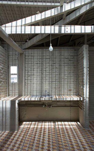 arquitectura-rehabilitación -de-un-establo-ecuador_al borde_ zonas humedas de la casa