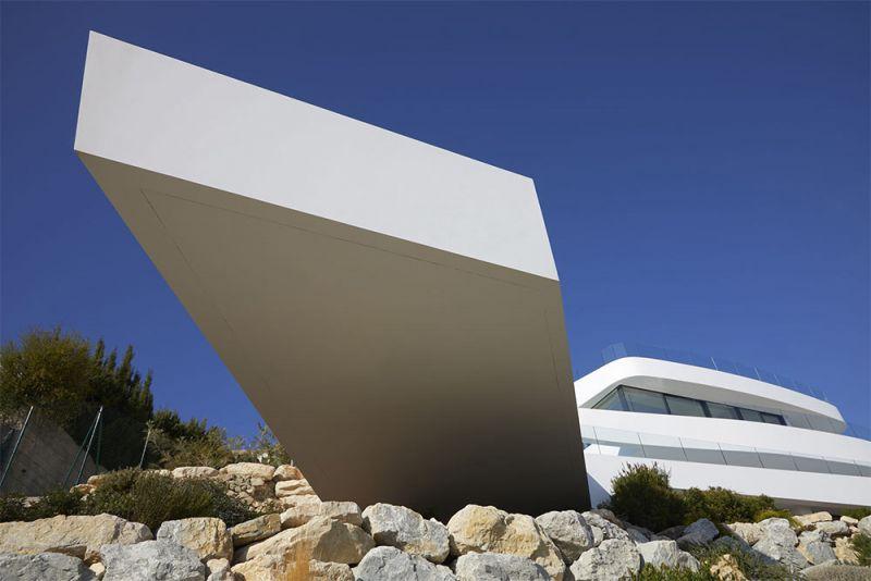 arquitectura casa p71 rgb arquitectos piscina voladizo