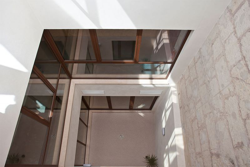 arquitectura gmm centro salud mental estel de llevant  patio interior
