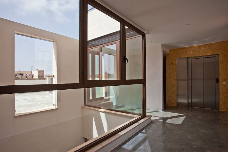 arquitectura gmm centro salud mental estel de llevant ascensor escaleras patio