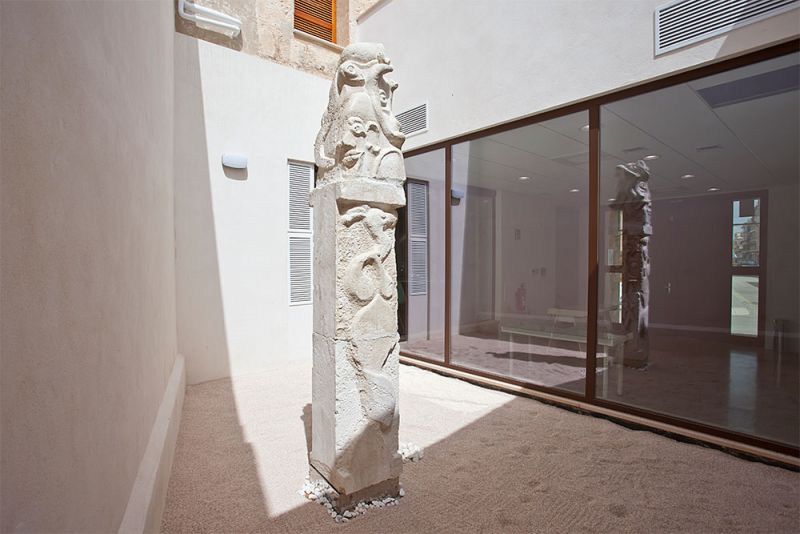 arquitectura gmm centro salud mental estel de llevant patio escultura