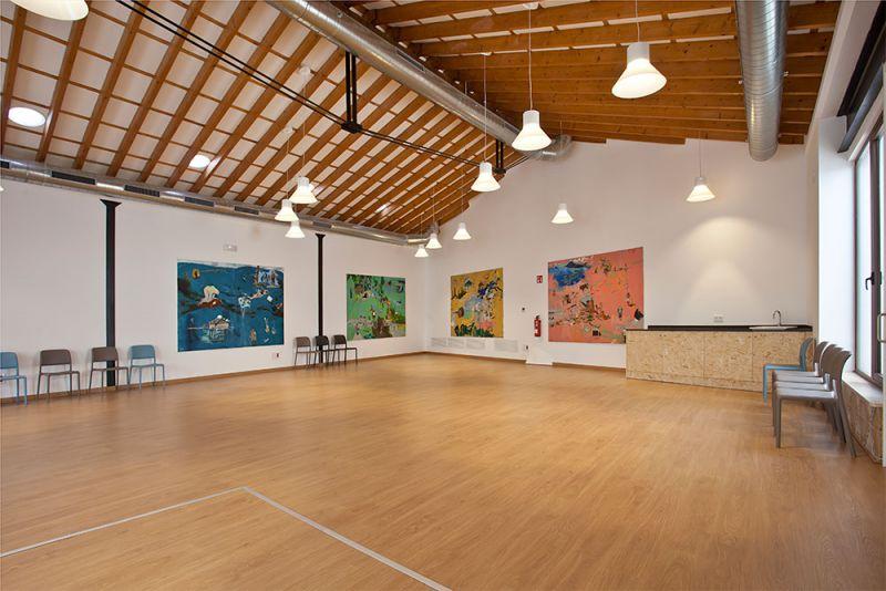 arquitectura gmm centro salud mental estel de llevant sala multiusos