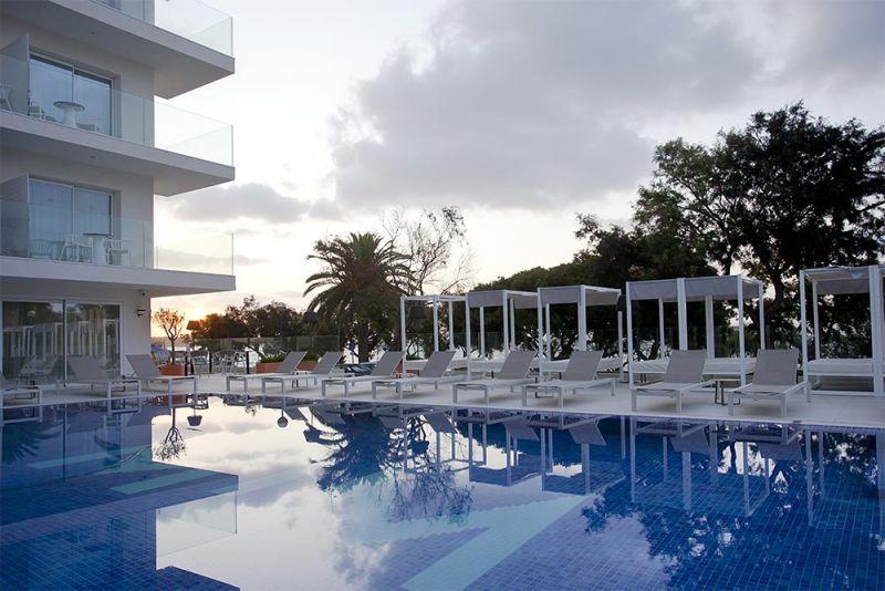 arquitectura hotel mim mallorca arquitectura gmm foto piscina hamaca