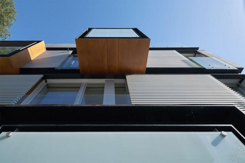 arquitectura edificio madrigal 16 bueso inchausti & rein balcon voladizo