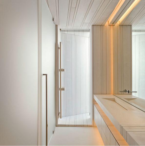 Casa Sardinera Ramón Esteve Estudio y Accoya interior baño