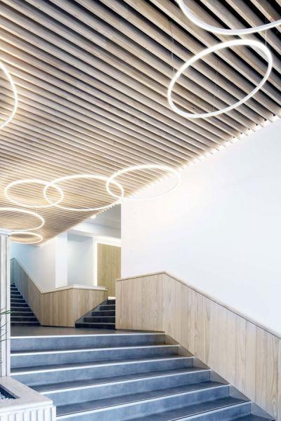 arquitectura ADOM studio NEN Nuevo Edificio Noreña Accoya fotografia interior escalera acceso