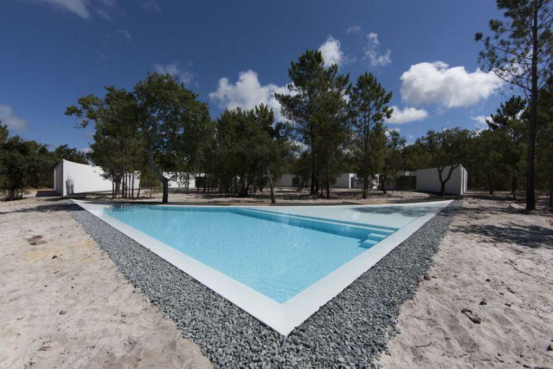 casa en la costa de alentejo aires mateus fotografía exterior piscina