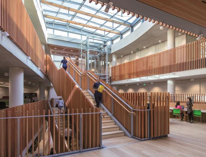 arquitectura_ Alder  Hospital_escalera