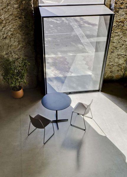 Arquitectura almacenPesquero_Santa Pola_ventanas desde el interior