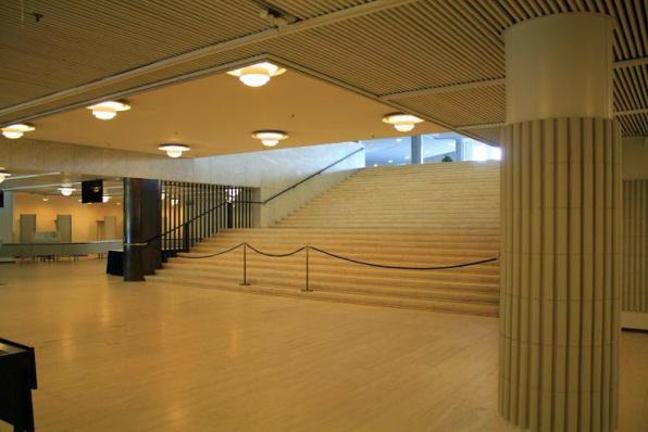 arquitectura_Alvar Aalto_finlandia hall_acceso