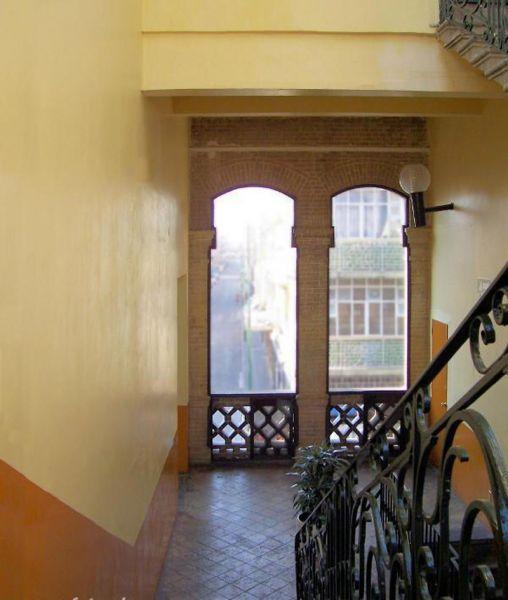 rquitectura_Antiguo_Mercado_de_la_Victoria,_Puebla,_México_vista interior escalera
