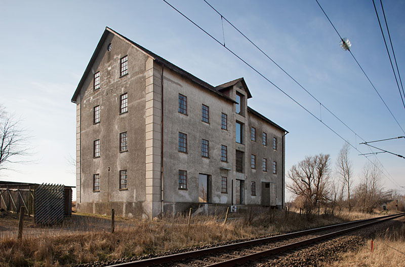 Arquitectura_antiguo molino suecia_vista fachada lateral