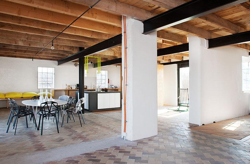 Arquitectura_antiguo molino suecia_zona de cocina comedor