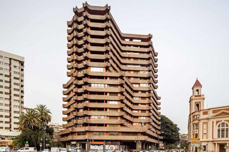 Arquitectura y Empresa Antonio Escario Homenaje la pagoda