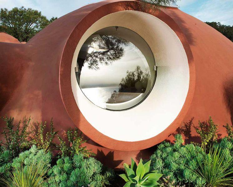 Maison Bernard de Antti Lovag arquitectura orgánica fotografia exterior ventana redonda ojo