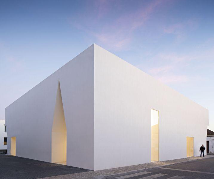 arquitectura_Aries Mateus_centro reuniones_fachada