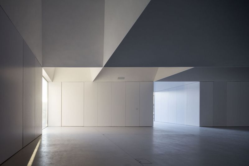 arquitectura_Aries Mateus_centro reuniones_techo 1