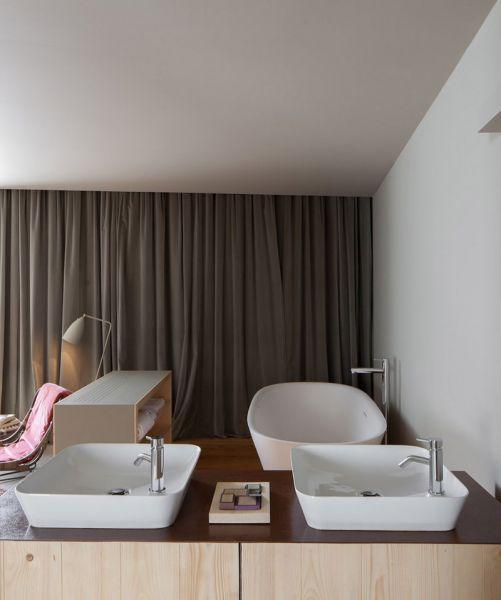 Arquitectura_ARMAZEM_LUXUR_zona de lavabo  en habitacion