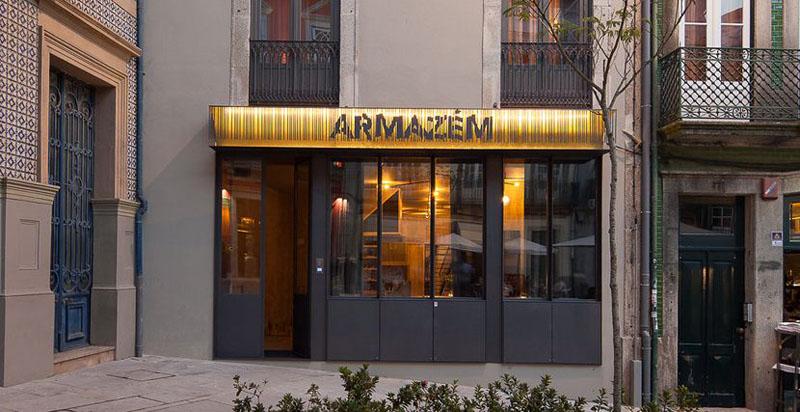 Arquitectura_ARMAZEM_LUXURY_IMAGEN DE LA FACHADA ACCESO