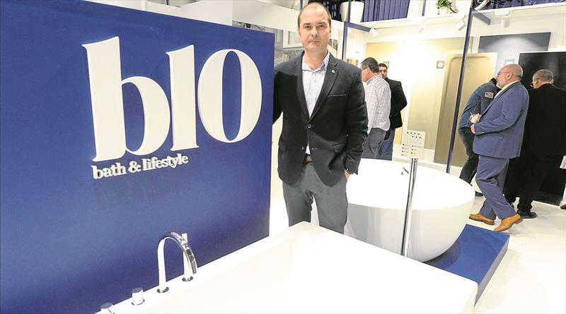 arquitecturayempresa nueva identidad corporativa b10 by baños10 stand cevisama 2017 Agustín Abril