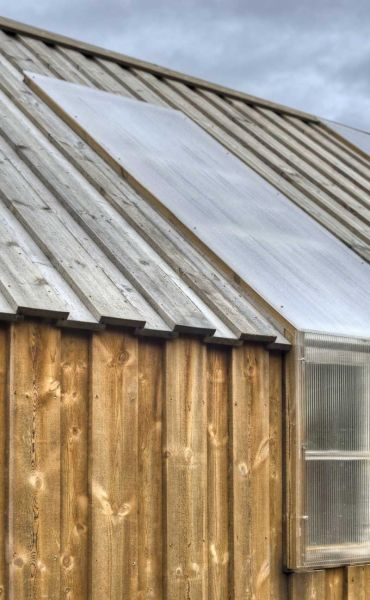 Arquitectura_barco casa TYIN tegnestue _revestimiento madera tratada