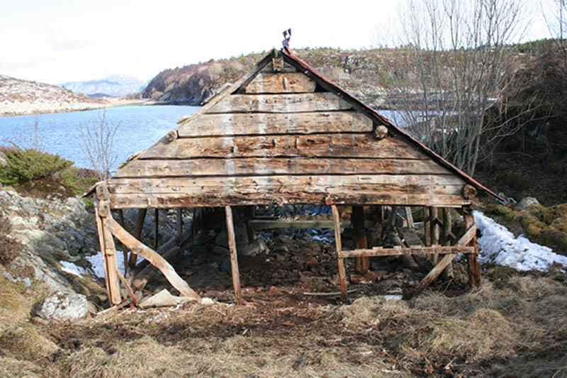 Arquitectura_barco casa TYIN tegnestue _imagen antes de rehabilitar