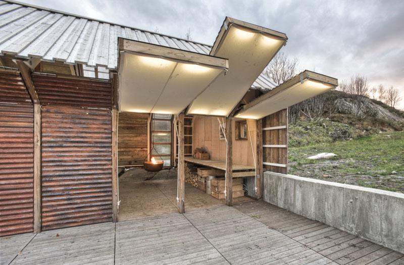 Arquitectura_barco casa TYIN tegnestue _vista paneles abiertos frontal