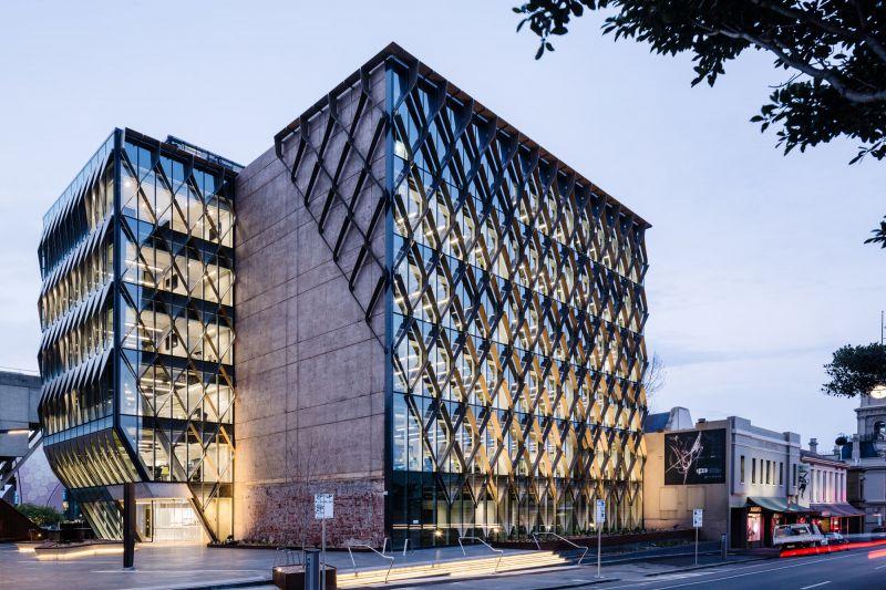 arquitectura_BARWON WATER_ fachada iluminada