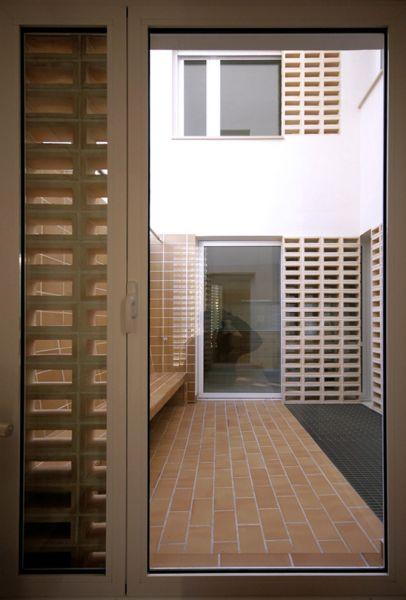 arquitectura_briq arquitectos_edificio san pedro_patio interior