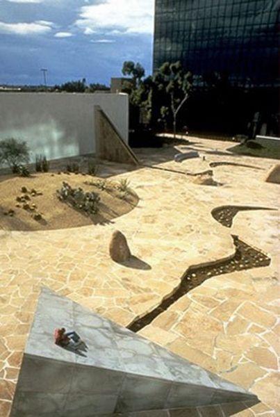 Arquitectura_Isamu Noguchi _California Scenario, in Costa Mesa 2
