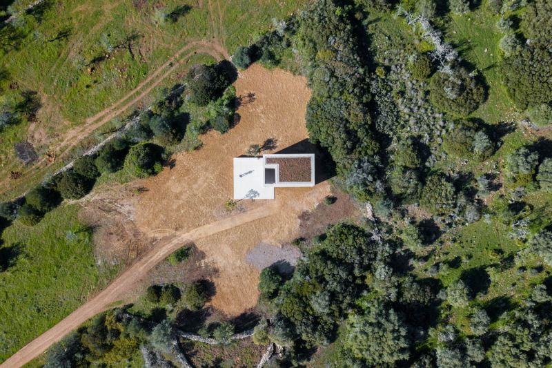 arquitectura_capela_do_monte_siza_1.jpg