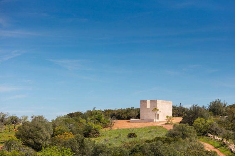 arquitectura_capela_do_monte_siza_2.jpg