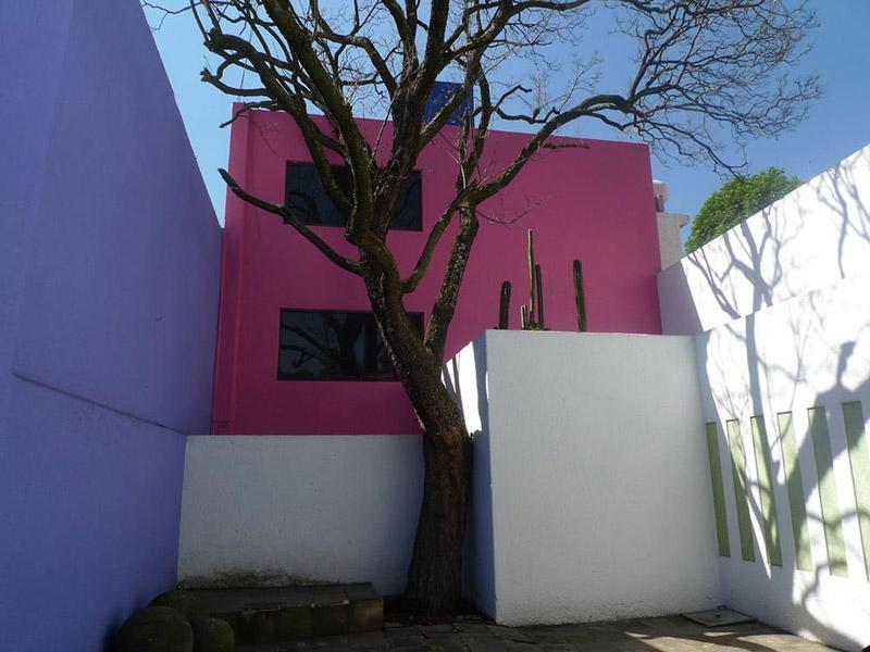 Arquitectura Barragán Imagen patio casa Gilardi
