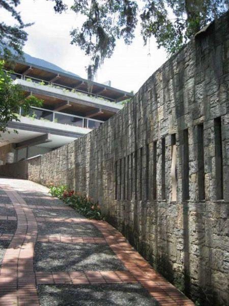 arquitectura_casa-gonzalez-gorrondona_ acceso entrada parcela