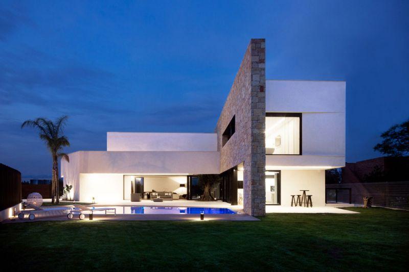 arquitectura Chiralt arquitectura CHE Cuepor Huecos Estructurales proyectos Cumbres exterior  noche