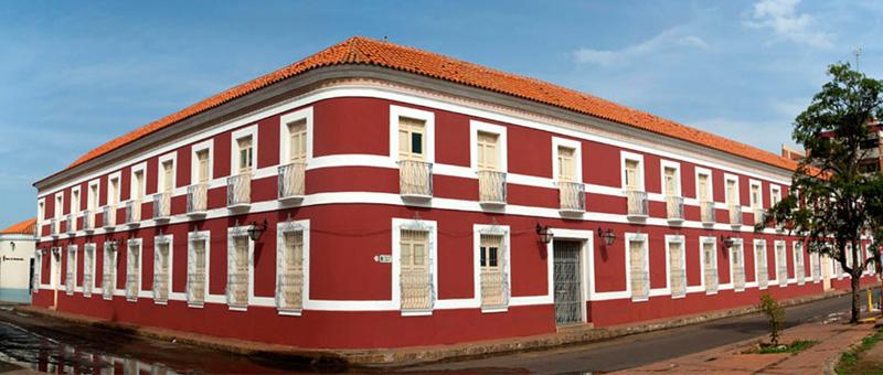 Arquitectura_Casa_de_las_100_ventanas vista de la esquina