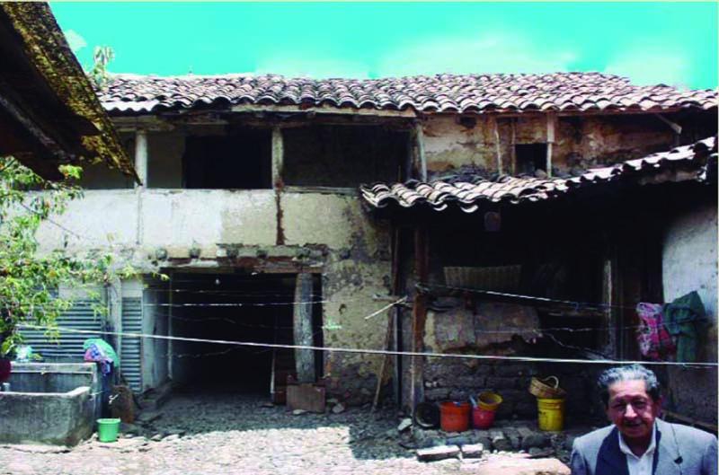 Arquitectura_ casa de las posadas _imagen patio en deterioro
