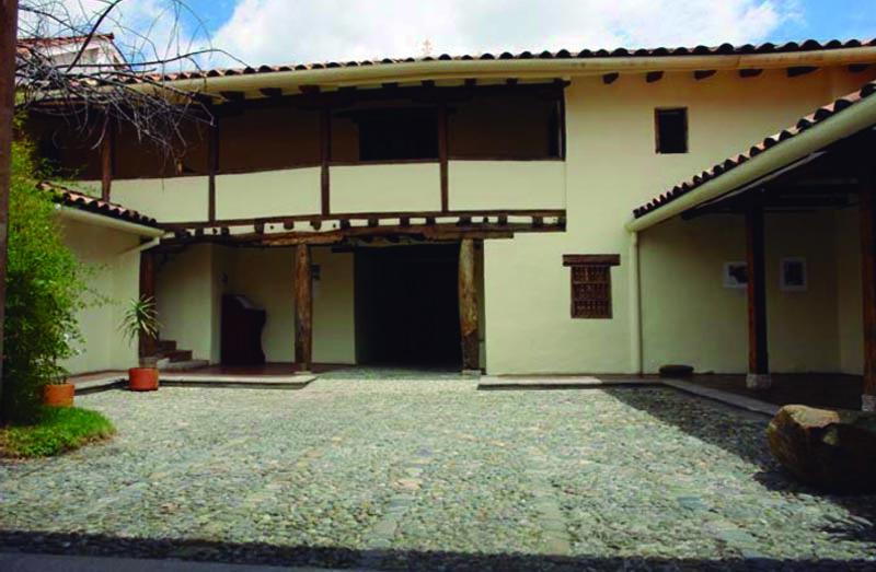 Arquitectura_ casa de las posadas_imagen del patio principal