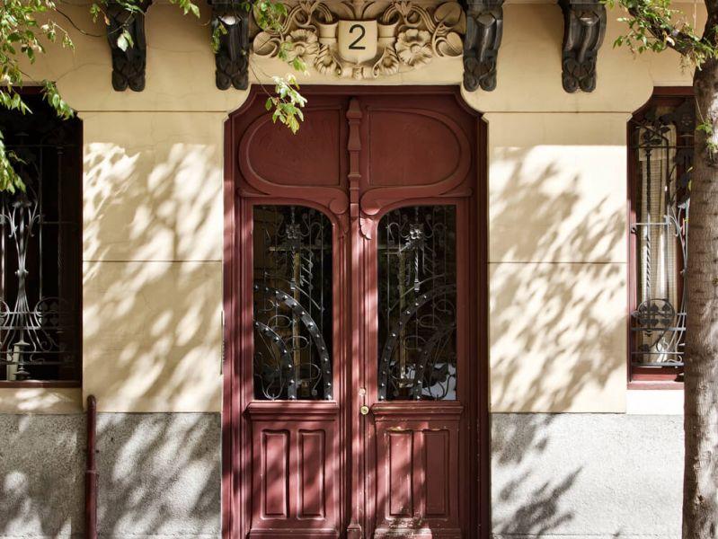 detalle de puerta del edificio Casa Decor 2018