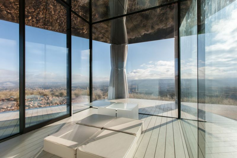arquitectura la casa del desierto ofis architects guardian glass black mirror casa interior estar