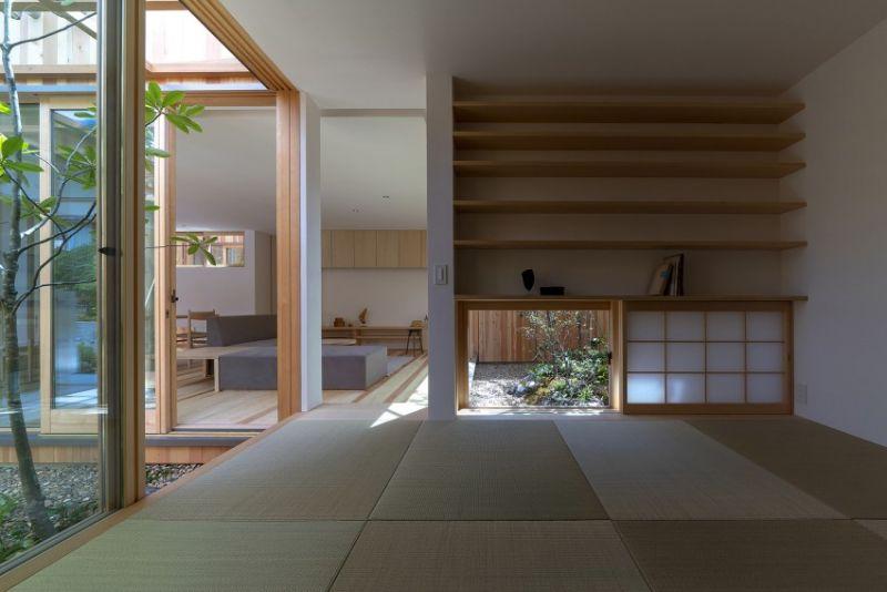 arquitectura_casa en Akashi_Arbol_sala lectura