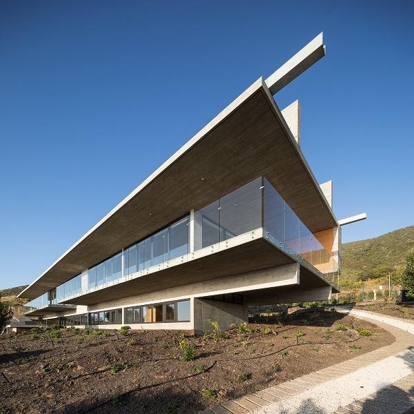 Habitar La Estructura Casa H De Felipe Assadi Arquitectos