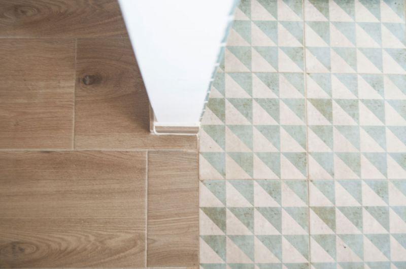 Casa LD de Miguel Torres Aranda + Estudio Veinteporveinte en el cabañal Valencia fotografia suelos
